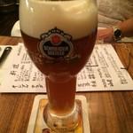 ドイツビアハウス ハンブルク - 赤褐色のシュナイダーヴァイセ 800円