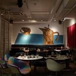 CAFE PARK - カラフルでおしゃれな内装