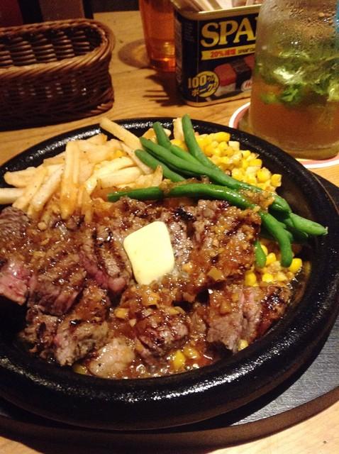 アロハテーブル 中目黒 - ガーリックソースのステーキ