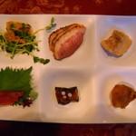 レストランセェールダルジャン - プレート6品。量は少ないけど、食材、味はまずまず」