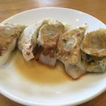 西村麺業 - 餃子5ヶ150円