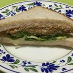 長野ベーカリー - シソクリームチーズカツサンド