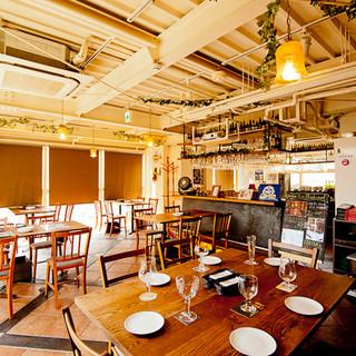 京都家具屋町から取り寄せたウォールナット調のテーブル&チェア