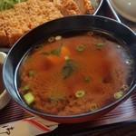とらや食堂 - 名古屋に来たなら、やっぱり赤だしですよね~