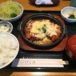 うかい亭 一花 - 鶏かつチーズ煮(大盛)【料理】