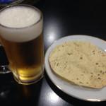 54551930 - 生ビールとおつまみ?