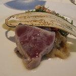 54552748 - 初鰹の軽い藁スモーク 焼き茄子とそのピュレを添えて