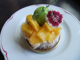 カフェドゥラプレス - マンゴーのケーキ580円