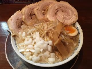 麺五郎 - こってり背脂ちゃーしゅーめん