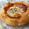 T′z Bakery KOHSHI - 料理写真:フレッシュトマトとチーズのなんとか