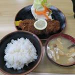 ラーメン とんかつ 忠 - トンカツ定食990円