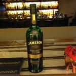 Bar Co-ya - ジェムソン.セレクトリザーブ ¥800 プレミアムなアイリッシュwhisky 飲み口はスムースながらbourbon樽の深いコクとシェリー樽の香りが