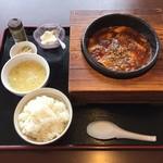 中国日隆園 - プラス108円で定食セットです。