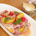 アフタヌーンティー・ティールーム - 料理写真:桃の冷製パスタ