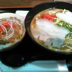 54565293 - 沖縄そばと三枚肉ハーフ丼セット                       昼version