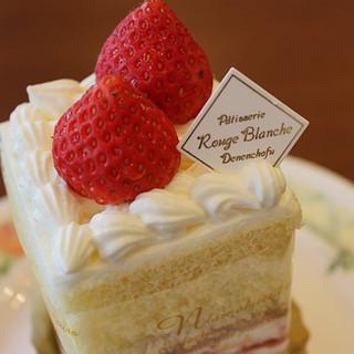こだわりの絶品ショートケーキ