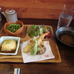 kaisenwashokutonihonshumosse - 贅沢ランチセット(サラダ・湯葉しゅうまい・天ぷら・茶そば)