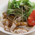 iro-hana かふぇ食堂 - 胡麻醤油が美味しい豚しゃぶ