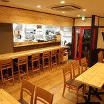 iro-hana かふぇ食堂 - ゆっくりとした室内空間