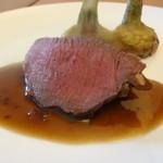 ビストロカプリシュー - 料理写真:鳥取から届く鹿肉のロースト