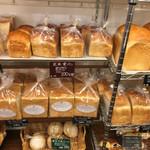 54588299 - 食パンの種類も豊富!