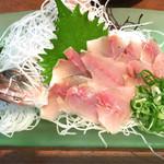 角山食彩屋 - アジのお刺身  580円