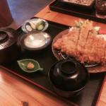 とっちゃん - ロースカツ定食@1250円