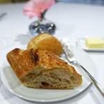 ラ ジュネス - バゲット(メゾンカイザー)  米粉のパン(スタイルブレッド)