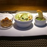 54598061 - シーザーサラダとミル貝の香草バターとヤリイカのトマト煮