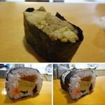 村庄寿司 - ◆雲丹・・赤うにがタップリ盛られていました。◆巻寿司・・具材タップリで、一つが大きいこと。これ以降すべて、半分は夫へと・・