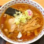 お食事処 常春 - 料理写真:ラーメン(600円)+(100円)