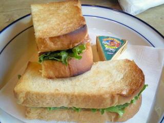 ログ ベアー - サンドイッチ