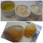 54615698 - ◆此方の名物「スモークしたホイップバター」「ホイップバター」、それと「オリーブオイル」                       この2種類のバター、美味しいのですけれど購入できないのが残念。                       ◆パンは2種類。どちらも美味しく、追加できますよ