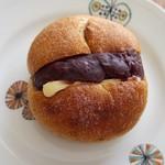 コビ コーヒー アオヤマ - テイクアウト専用のアンバターパン