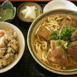 沖縄そば處 やまや - 料理写真:じゅーしーとソーキそば
