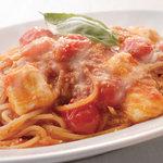 イタリアン レストラン モルトモルト - 完熟トマトとモッツァレラ