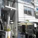 カオリズ - お店が入っている建物の外観