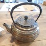 カオリズ - かなり重い青銅製?の茶器