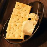 渋谷 桜丘 肉寿司 - クリームチーズの味噌漬け(500円)2016年7月