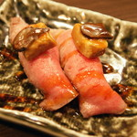 渋谷 桜丘 肉寿司 - 和牛のロッシーニ(1貫580円)2016年7月