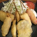 Kushikatsudengana - 串カツのアップ