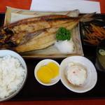 定食屋 ふか河 - 2016.08 ホッケ定食(850円)北海道らしいものはこれくらいでした。