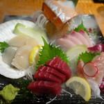 北海道まるごとダイニングうまいっしょ - 2016.08 刺身の盛り合わせ
