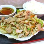 中華&洋食 コタン - 『肉野菜定食』700円。