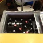 本店 鉄なべ - 僕はお祭りでしか見た事無い 冷蔵庫?のおビール