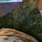 つけ麺 弥七  - 大きい海苔【料理】