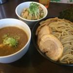 つけ麺 弥七  - 「特製つけ麺」の特盛(麺500g)+ミニチャーシュー丼(2枚)【料理】