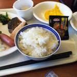 54669506 - 朝食は和洋あり。