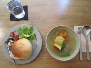 カフェ テルヴェ - 野菜スープ