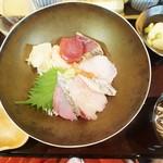 54670250 - 海鮮丼